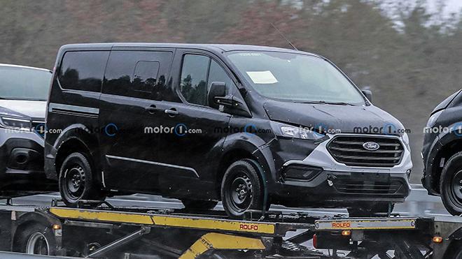 Ford Tourneo phiên bản nâng cấp chạy thử tại châu Âu - 1