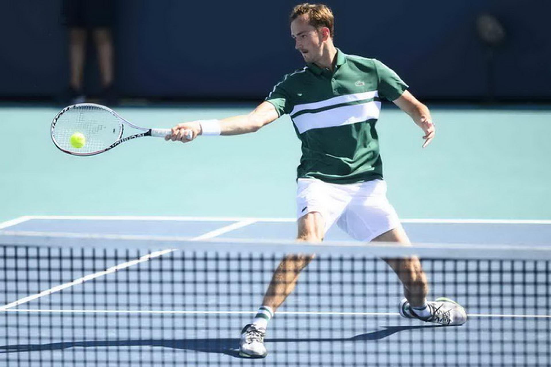 Đôi công mãn nhãn: Medvedev bắt vô-lê tuyệt vời, Agut bền bỉ như Nadal - 1