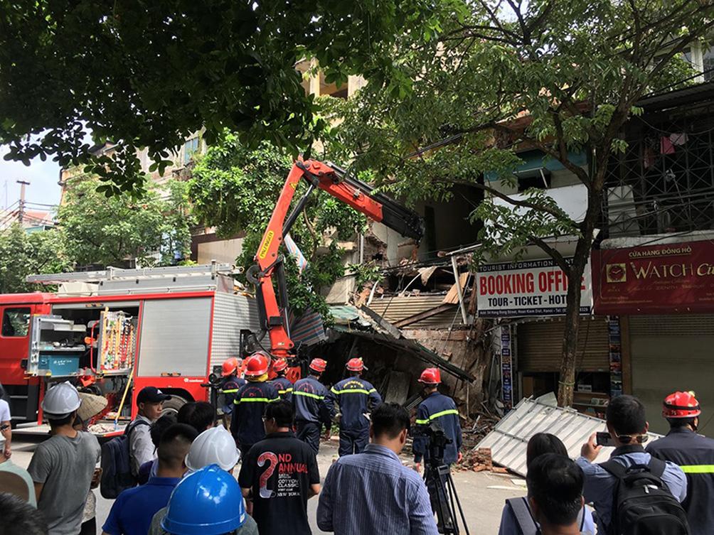 """Biệt thự cũ nát, nhà cổ chờ sập đếm không xuể ở """"Hà Nội 36 phố phường"""" - 6"""