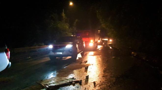 Tai nạn nghiêm trọng trên đèo Bảo Lộc, 2 sinh viên chết thảm - 1