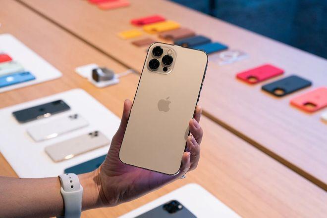 """Đây là chiếc iPhone """"ế ẩm"""" đang được giảm đến 7,1 triệu đồng - 1"""