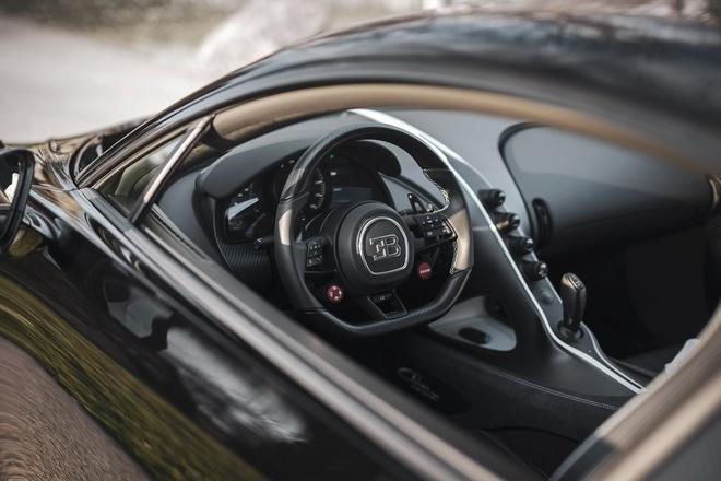 Cực phẩm Bugatti Chiron thứ 300 xuất xưởng, giá quy đổi hơn 90 tỷ đồng - 7