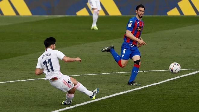 """Video Real Madrid - Eibar: VAR khước từ 3 bàn, """"song sát"""" tỏa sáng - 1"""