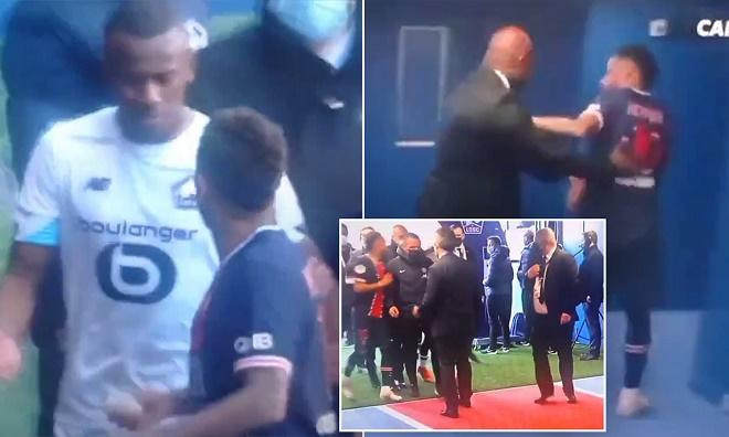 Neymar bị thẻ đỏ khiến PSG bại trận, dở thói côn đồ hành hung đối thủ - 1