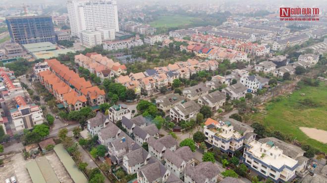 Khu đô thị Vân Canh: Nhà bỏ hoang đứng cạnh biệt thự hoành tráng - 1