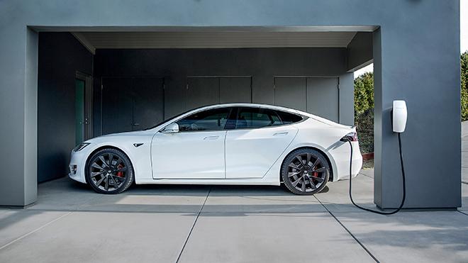 Đa số người dùng xe điện không muốn quay lại xe động cơ đốt trong - 1