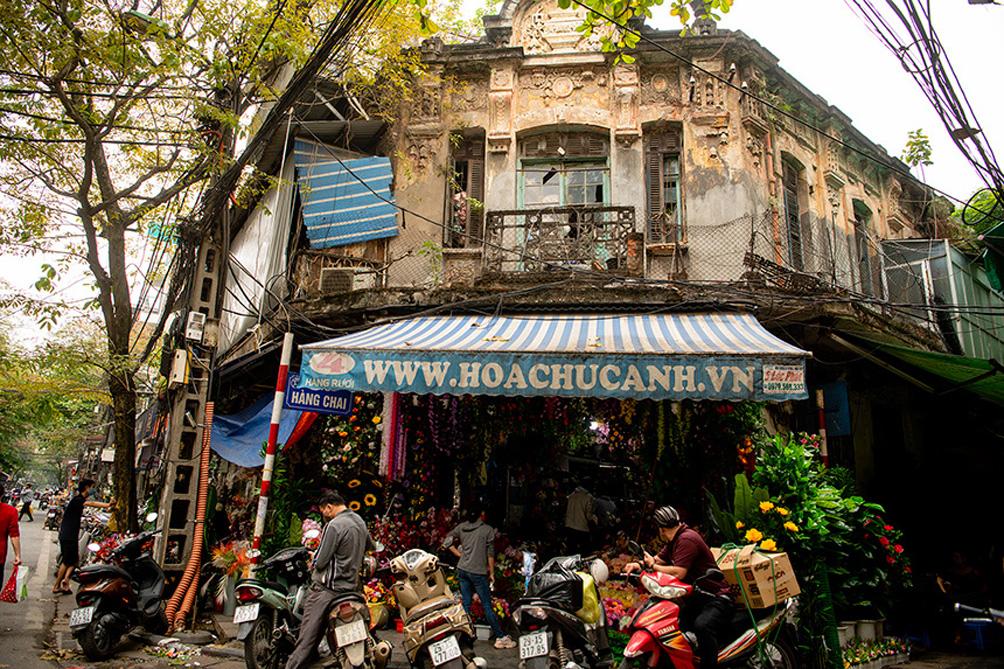 """Biệt thự cũ nát, nhà cổ chờ sập đếm không xuể ở """"Hà Nội 36 phố phường"""" - 4"""
