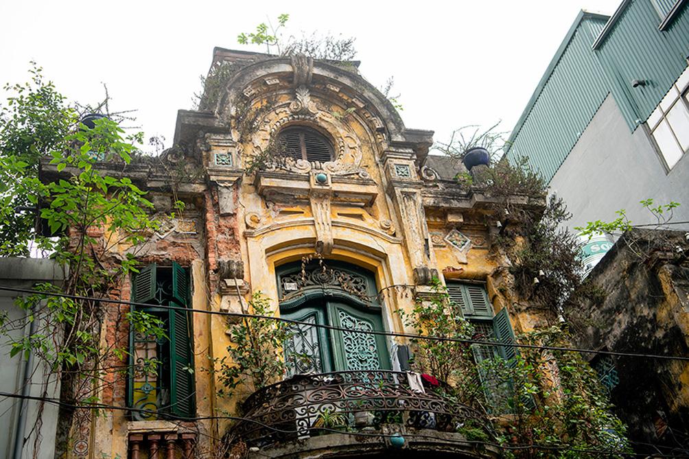 """Biệt thự cũ nát, nhà cổ chờ sập đếm không xuể ở """"Hà Nội 36 phố phường"""" - 5"""