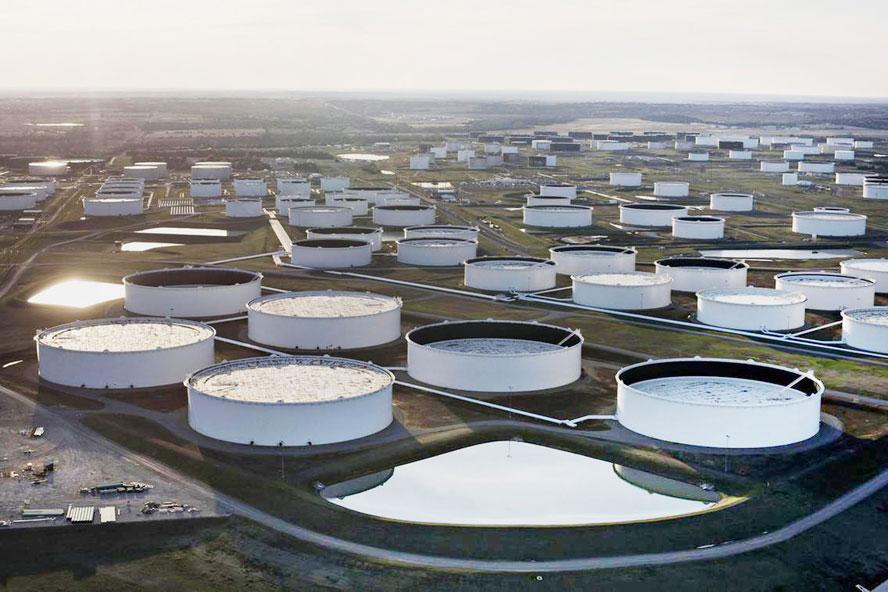 Giá dầu hôm nay 7/4: Covid-19 tiếp tục tăng tốc đẩy giá dầu thụt lùi - 1