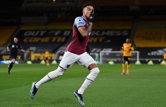 """Video Wolves - West Ham: Đại tiệc 5 bàn thắng, Lingard """"nhảy múa"""" lập siêu phẩm - 1"""