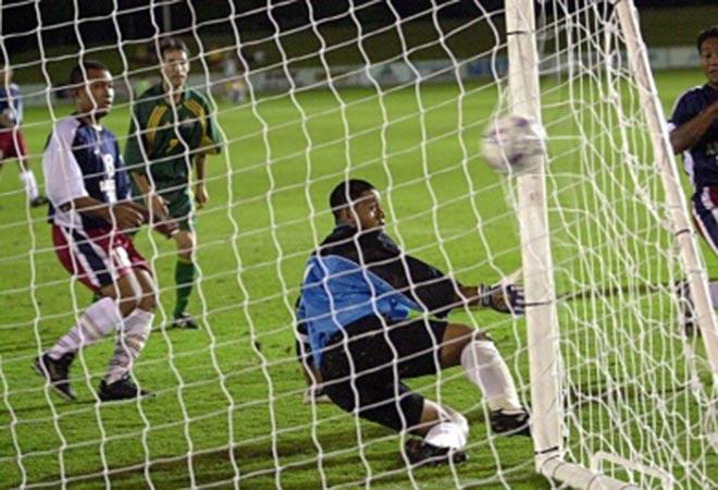 Ngôi sao kỳ lạ ghi 13 bàn trong 1 trận đấu ở tầm World Cup giờ ở đâu? - 1
