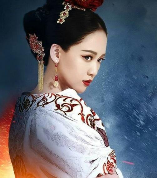 """Hoàng hậu Trung Quốc cấm vua sủng ái phi tần, giết """"tiểu tam"""" khiến vua uất hận bỏ lên núi - 1"""