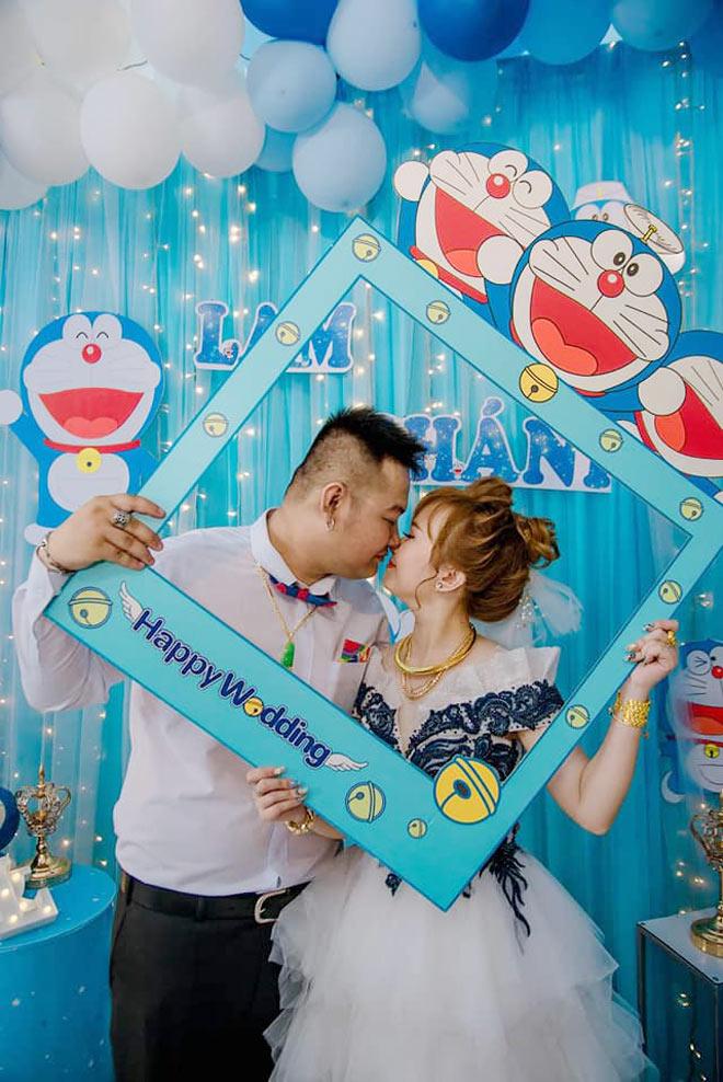 """Cô dâu Bạc Liêu tổ chức đám hỏi đặc biệt, phòng tân hôn ngập tràn """"mèo máy Doraemon"""" - 1"""