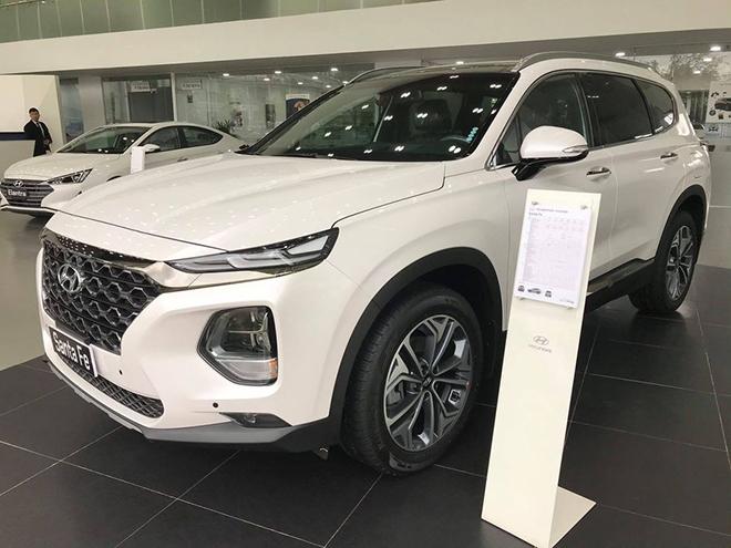 """Đại lý """"dọn kho"""" Hyundai Santa Fe, giảm giá tới hơn 80 triệu đồng - 1"""