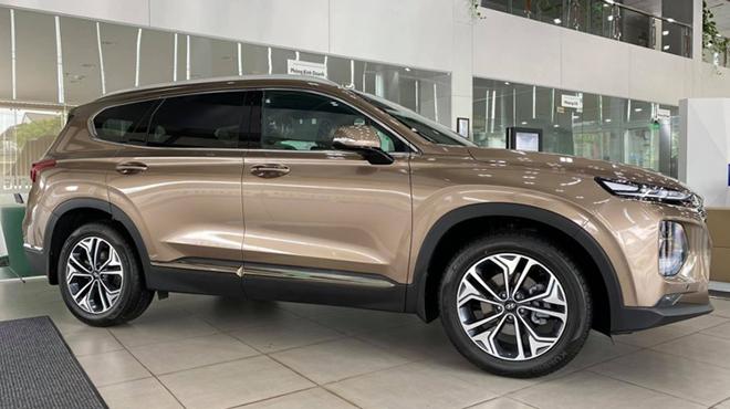 """Đại lý """"dọn kho"""" Hyundai Santa Fe, giảm giá tới hơn 80 triệu đồng - 3"""