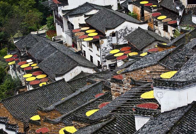 Làng cổ Hoàng Lăng nằm ở tỉnh Giang Tây, Trung Quốc, được xây dựng từ thời nhà Minh, đến nay đã có hơn 500 năm lịch sử.
