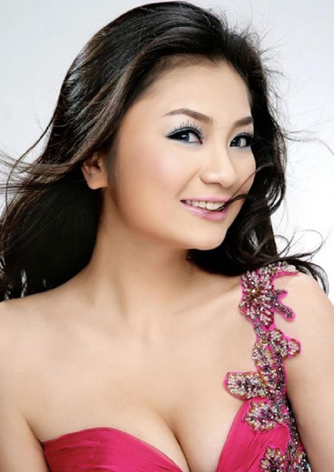 """Diệu Hương được biết đến là nữ diễn viên xinh đẹp của showbiz Việt.Cô tham gia đóng phim từ giữa thập niên 2000 và được nhiều người biết đến từ bộ phim """"Luật đời""""."""