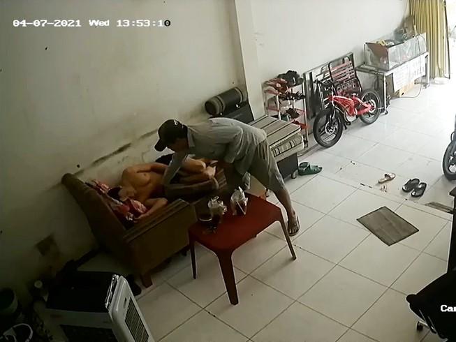 Camera ghi cảnh đè điện thoại khi ngủ trong nhà vẫn bị trộm - 1