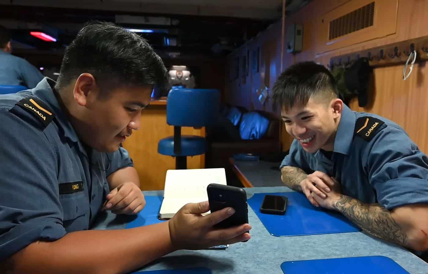 Tàu chiến Canada tới Cam Ranh: Hạ sĩ gốc Việt mê học tiếng, kể kỷ niệm khó quên - 1