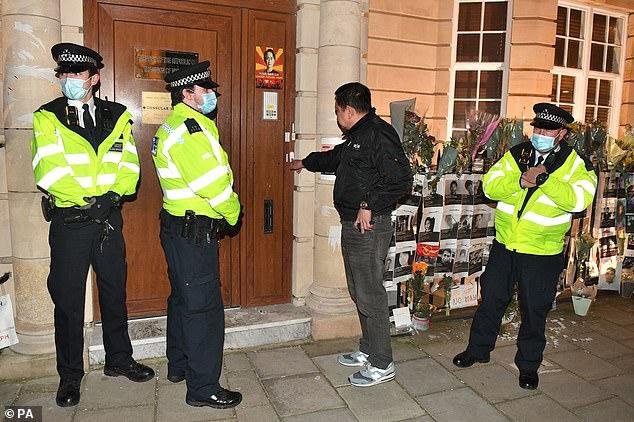 """Đại sứ Myanmar ở Anh bị """"cấm cửa"""" vào trụ sở - 1"""