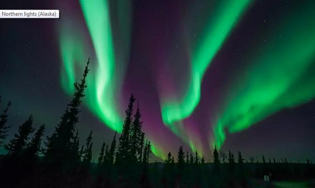 Bắc Cực Quang ở Alaska: Một hình ảnh chụp Bắc cực quang tuyệt vời dọc theo đường cao tốc Dalton tại vùng Bắc Cực ở phía bắc Alaska.