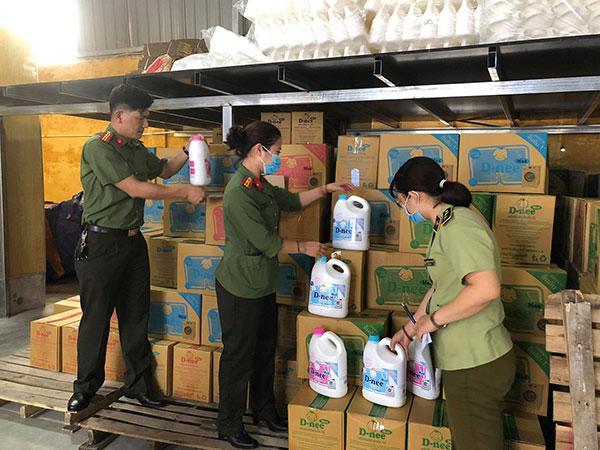 Cảnh giác với nước giặt giá rẻ bán tràn lan trên mạng - 1