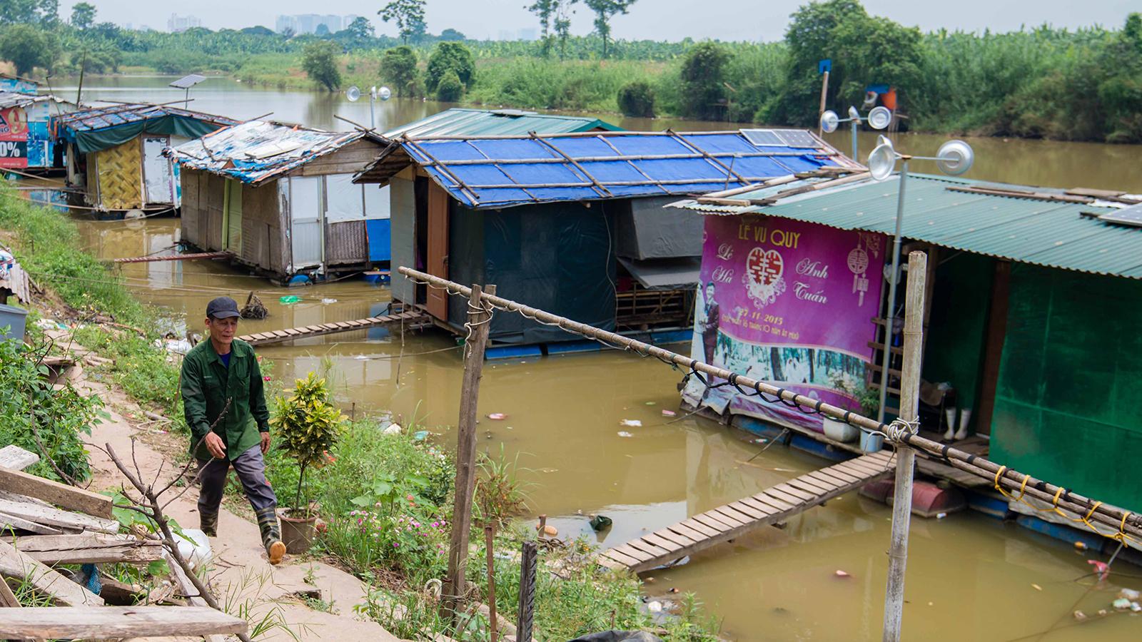 Thu nhập 60 nghìn/ngày: Cuộc sống của lao động nghèo dưới chân cầu Long Biên như thế nào? - 4