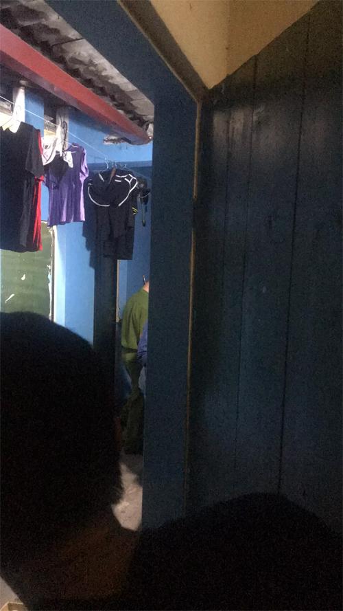 Hà Nội: Sau cãi nhau với bạn gái, nam thanh niên chết trong phòng trọ - 1