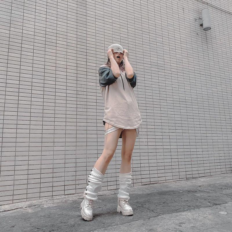 """Lê Bống ngày càng mặc kỳ quái, tự tin với chiếc quần bị coi là """"tội đồ"""" đường phố - 6"""