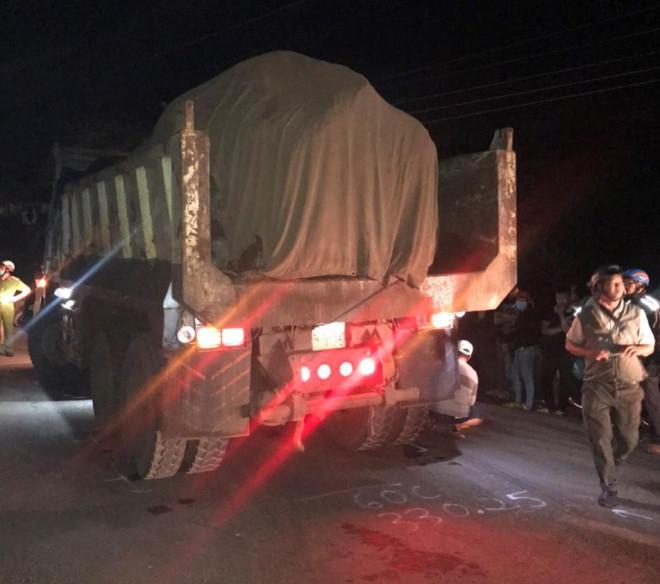 Tai nạn thương tâm xảy đến lúc giữa đêm ở Đồng Nai - 1