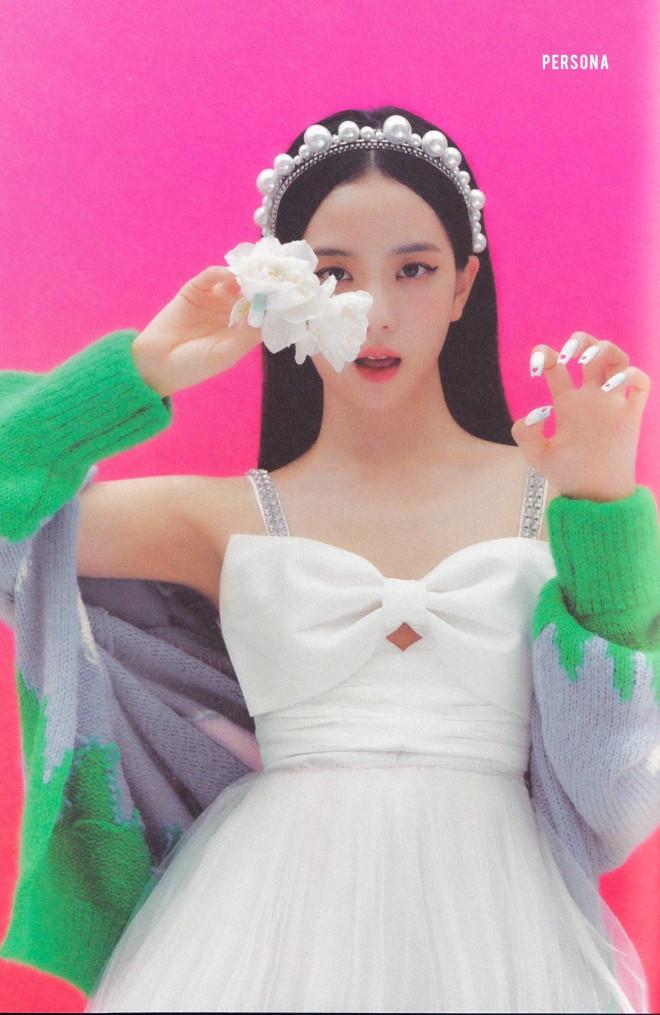 Jisoo chứng tỏ gu phối đồ đẳng cấp khi đụng hàng váy trắng tiểu thư với Taeyeon, Hyojung - 1