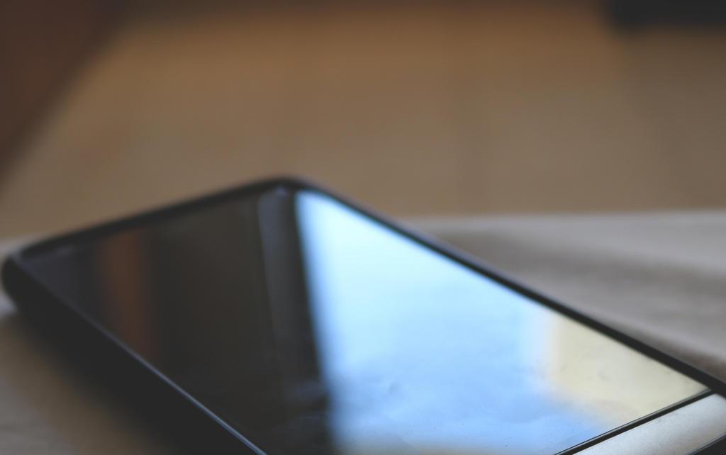 Nhậu say, cô gái trẻ bị 5 kẻ lạ mặt xâm hại: Bí mật kinh hoàng trong chiếc điện thoại - 1