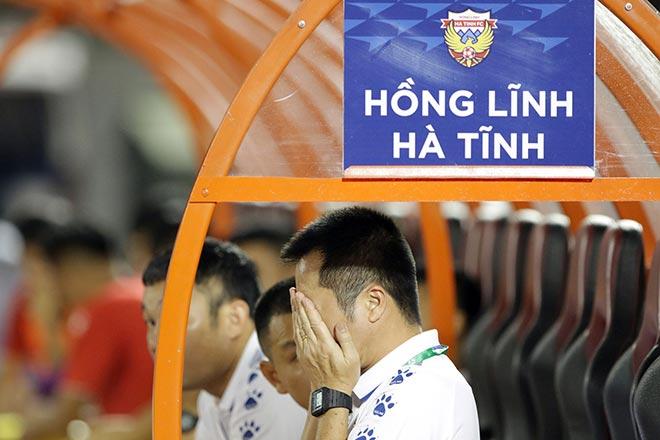 """NÓNG: HLV """"cạch mặt ngoại binh"""" ở V-League bất ngờ chia tay Hà Tĩnh - 1"""