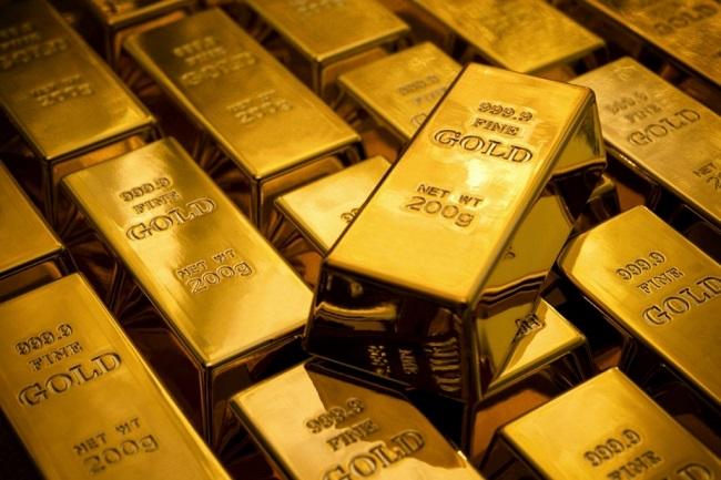 Giá vàng hôm nay 12/4: Đồng loạt sụt giảm - 1