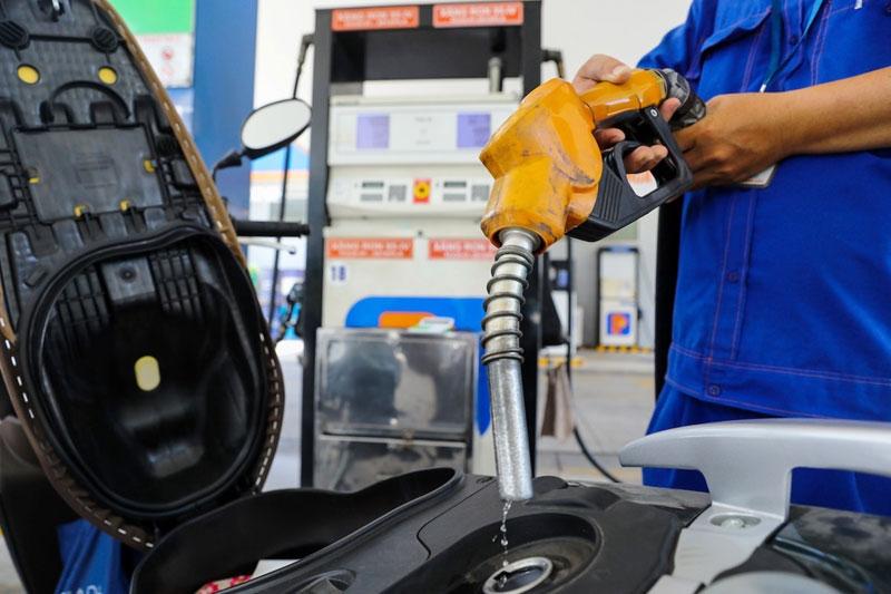 Giá xăng bất ngờ giảm hàng loạt từ 16h30 chiều nay 12/04 - 1