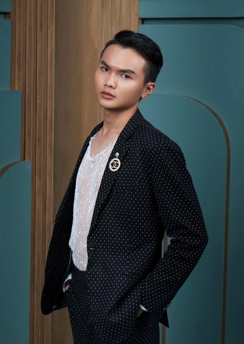 Stylist của hoa hậu Đỗ Thị Hà tiết lộ cách khắc phục sự cố váy áo - 1