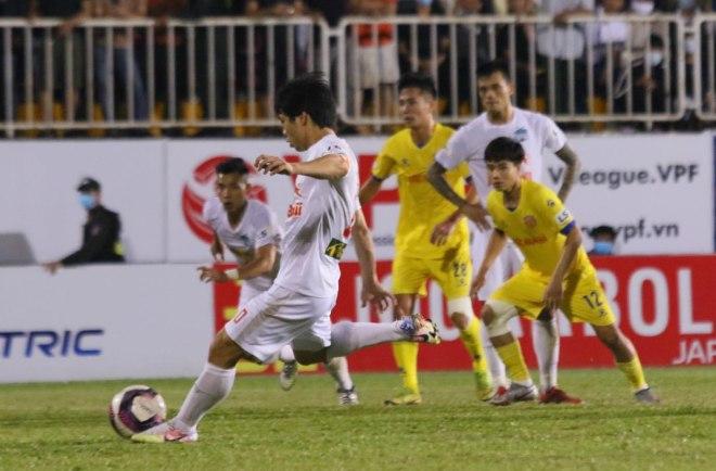 Sếp trọng tài khẳng định HAGL hưởng penalty hợp lệ phút 90+4 - 1