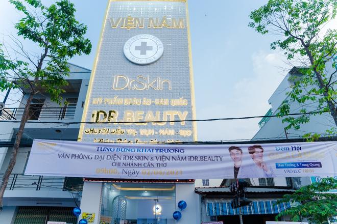 Đan Trường dự lễ khai trương văn phòng đại diện mới của iDr.Skin chi nhánh Cần Thơ - 1