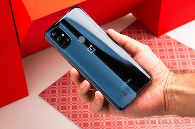 Bảng giá smartphone 5G xịn sò: Rẻ nhất chỉ 6 triệu đồng - 1