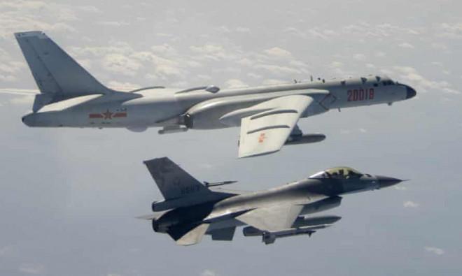 NÓNG: Sau cảnh báo từ Mỹ, 25 máy bay Trung Quốc tiếp tục áp sát Đài Loan - 1