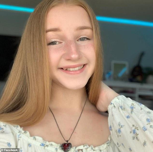 Mỹ: Thiếu nữ 17 tuổi vừa bước ra khỏi xe cháy ngùn ngụt, bị điện giật chết - 1