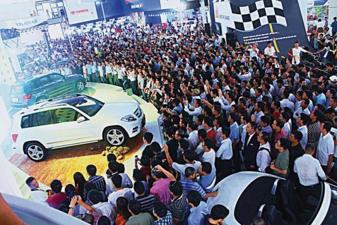 Bất ngờ lớn trên thị trường ô tô Việt Nam - 1