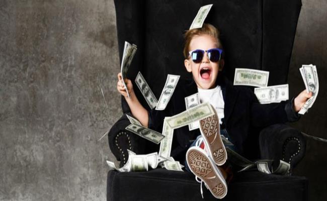 """Cuộc sống sang chảnh, thượng lưu của giới """"rich kid"""" luôn là đề tài thu hút cộng đồng mạng."""