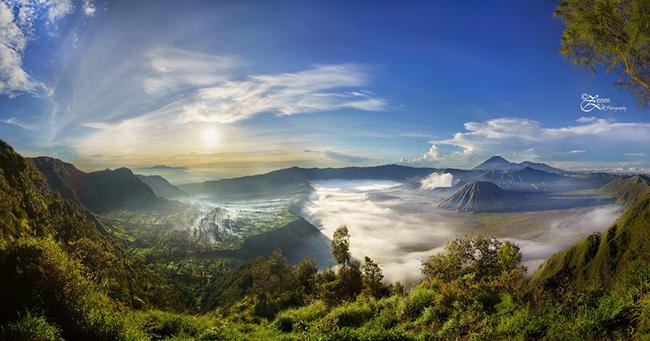 Núi Bromo, Java: Nếu đi bộ đường dài là sở thích của bạn, bạn không nên bỏ lỡ chuyến thăm núi Bromo. Ngọn núi nằm ở tỉnh Đông Java và là một trong những ngọn núi lửa vẫn đang hoạt động.