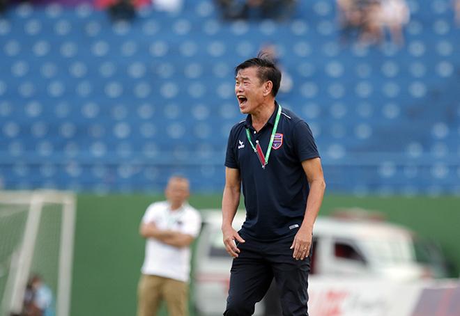 """""""Chóng mặt"""" ghế nóng V-League: HLV Phan Thanh Hùng từ chức, HLV Thành Công về Hà Tĩnh - 1"""