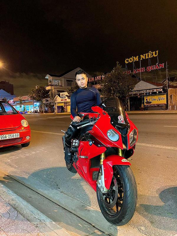Hồ Trần Hữu Hiếu - Người trẻ hiện đại với sở thích sưu tầm xe moto - 1