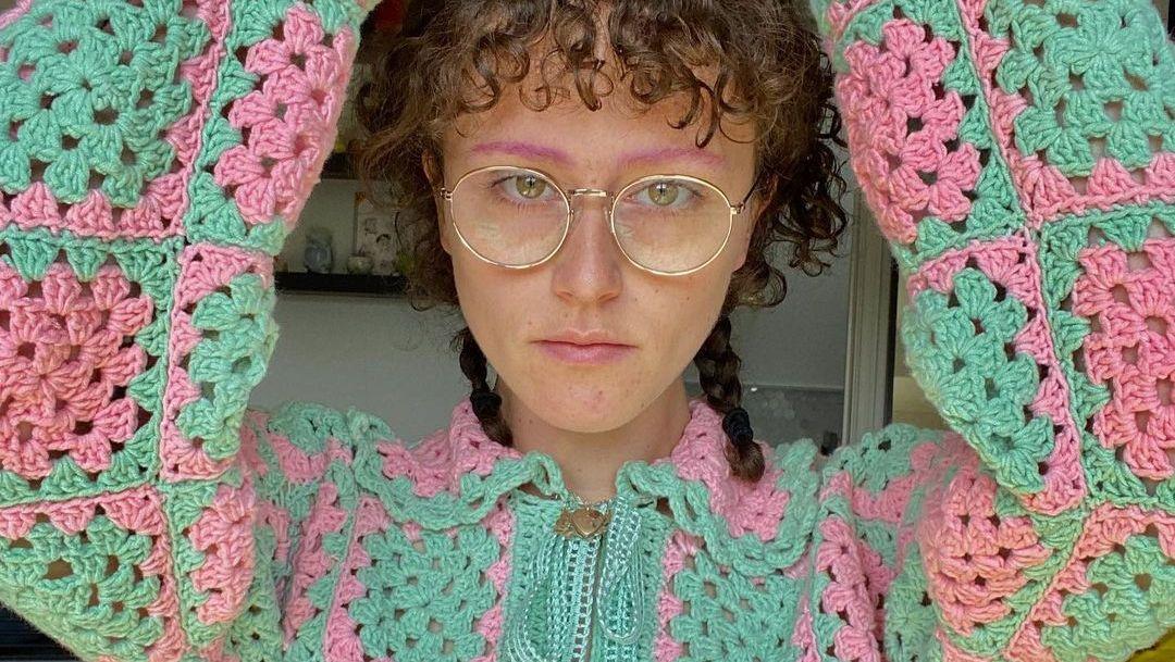 Hè này sành điệu là phải mặc len đan móc! - 1
