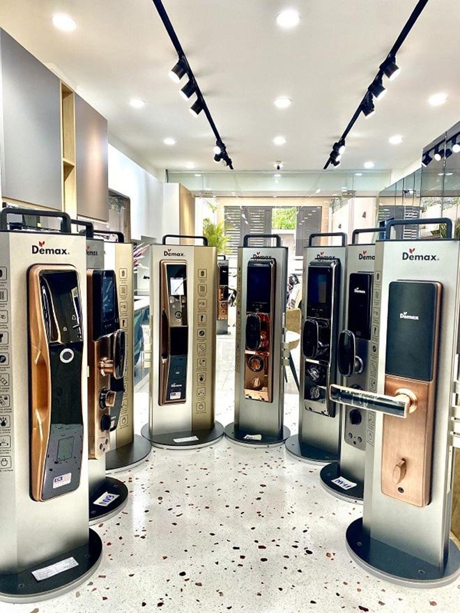 Khóa cửa thông minh Demax, tích hợp AI 'nhận diện khuôn mặt' - chinh phục mọi khách hàng? - 1