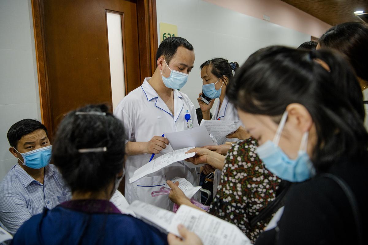 """Bệnh viện Bạch Mai """"thay da đổi thịt"""" thế nào sau hơn 1 năm có Giám đốc mới? - 16"""