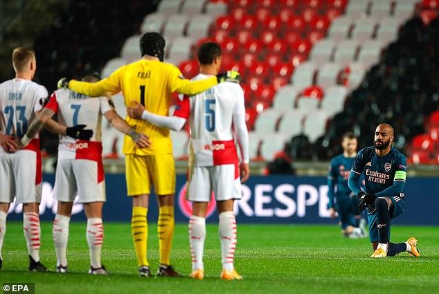 """Lacazette khiến fan Arsenal """"nổi da gà"""", sức khỏe Aubameyang gây lo lắng - 1"""